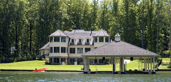 Real Estate: Waterfront Homes