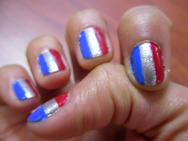 Show Your Team Spirit With Colorful Nail Art