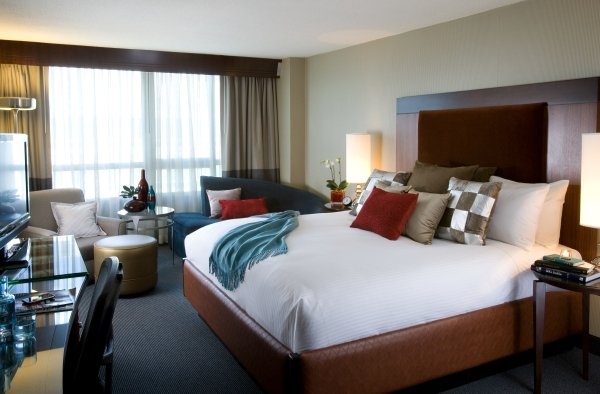 Do Not Disturb: Romance Packages at Washington Hotels