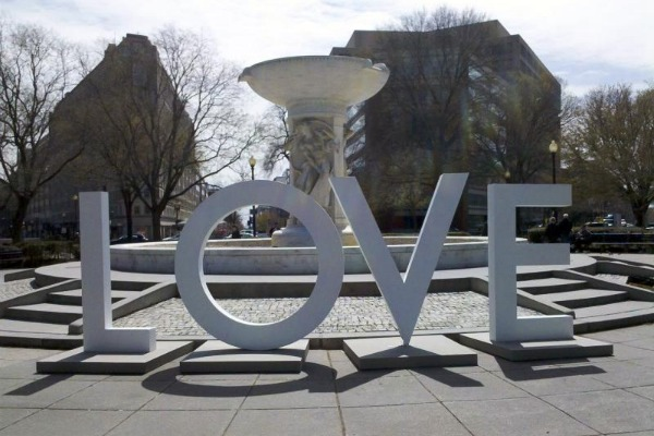 Dupont Circle Loves Virginia, and Richard Simmons Does Flight Safety Videos: The Week in Travel News