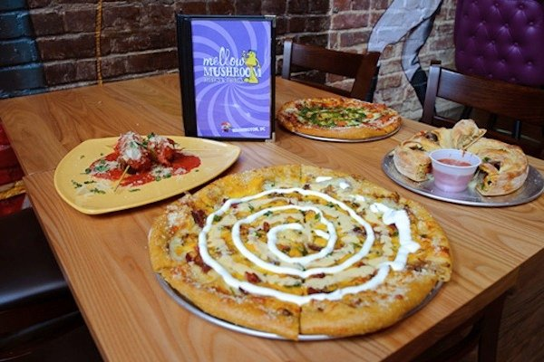 Atlanta-born Mellow Mushroom opens its first DC outpost in Adams Morgan. Photographs by Kyle Gustafson.