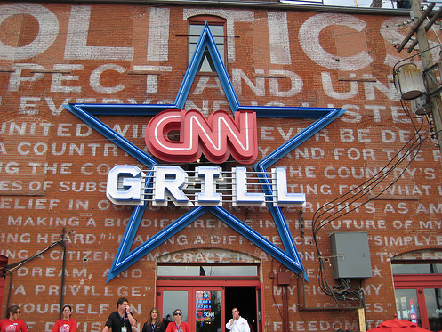 Reporting From Denver: The CNN Grill Brings All the Bloggers to Its Bar