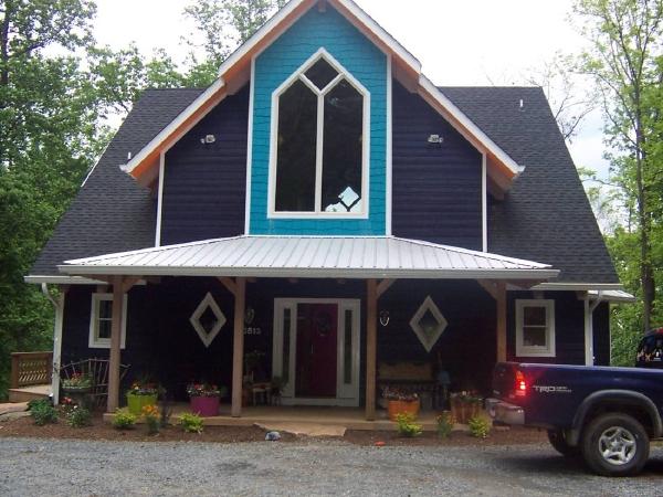 House Tour: Cape Cod in Loudoun