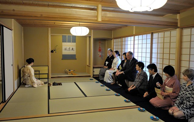 At the Peak of Cherry Blossom Season, a Japanese Tea Ceremony