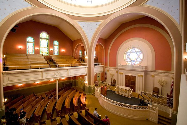 Sacred Space: Sixth & I Historic Synagogue's Turn as a Music Venue
