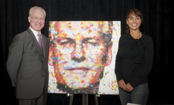 Artist Anna Rose Soivik painted images of Tim Gunn, Frederique Van der Wal and Bono for YouthAIDS.