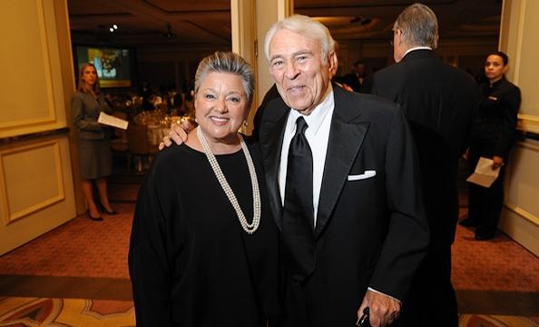 2011-AmbassadorsBall-Web-10.jpg