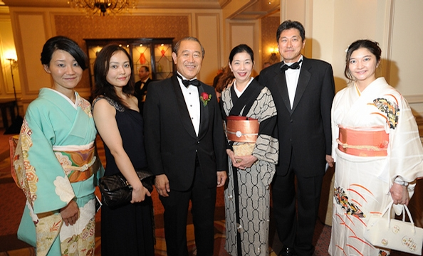 2011-AmbassadorsBall-Web-12.jpg