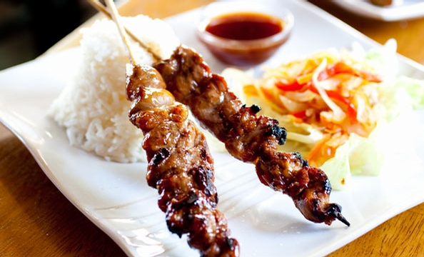 Batik in Gaithersburg offers a menu inspired by the street carts of Malaysia, the Philippines, Thailand, and Indonesia. Satays—such as this barbecue-pork version—are standouts.