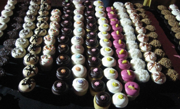 Georgetown Cupcake provided treats for shoppers.