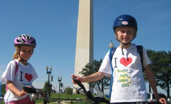This family celebrated fall with a bike ride around the monuments.