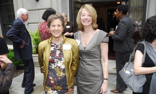 Jessica Einhorn, Carol Melton