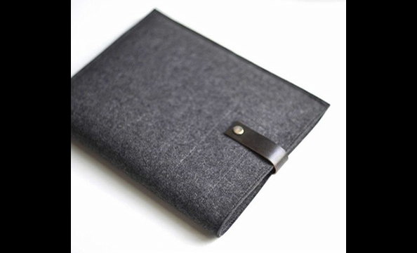 Help Dad protect his new iPad in style with Bryd & Belle's classic case, made with graphite felt and a black leather clasp.  Tip: if he loves his Mac products but has yet to jump on the iPad train, Byrd & Belle's Etsy shop has equally charming iPod and la
