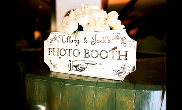 Real Weddings: Hillary Ferguson & Jodi Jackson