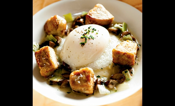 Southern comfort cooking goes upscale at Sou'Wester. Here, sweetbreads are paired with grits and a poached egg.