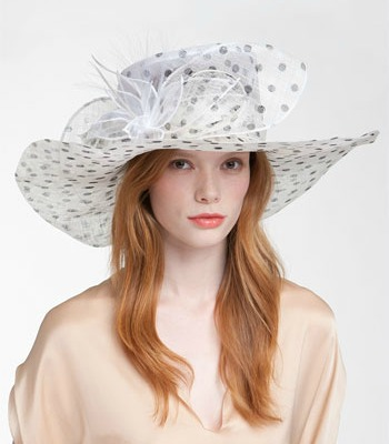 8a5975ce8f3db 12 Statement Hats to Wear to the Horse Races