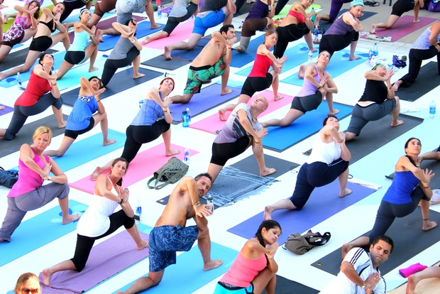 Athleta Is Offering Free Yoga Classes