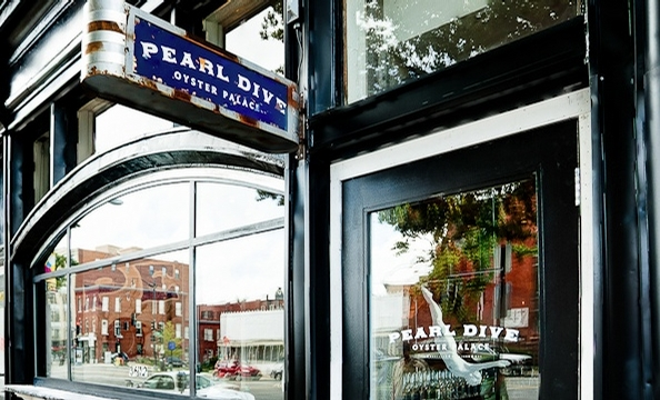 Another Summer Saturday, Another Crawfish Boil—This Time at Pearl Dive
