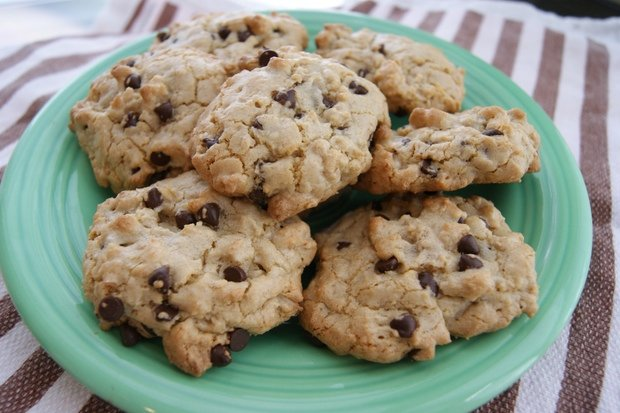 Healthy Recipe: Gluten-Free, Dairy-Free Quinoa Chocolate-Chip Cookies