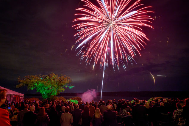 The Spirit of Mount Vernon Dinner: Fireworks, Good Works, and Lots of Good Booze (Photos)
