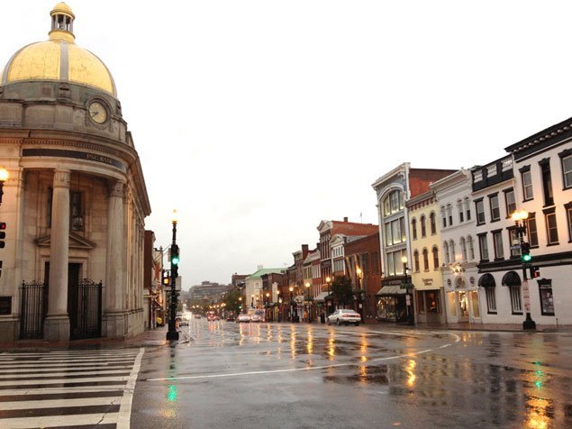 Georgetown Hunkers Down for the Storm, but Some Restaurants Are Open