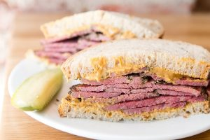 Lunch Break: The Healthiest and Worst Sandwiches and More at DGS Delicatessen