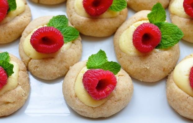 Healthy Holiday Recipe: Raspberry-Mint Cheesecake Bites