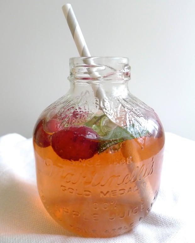 Healthy Drink Recipe: Cranberry Ginger Mo-ho-ho-jito