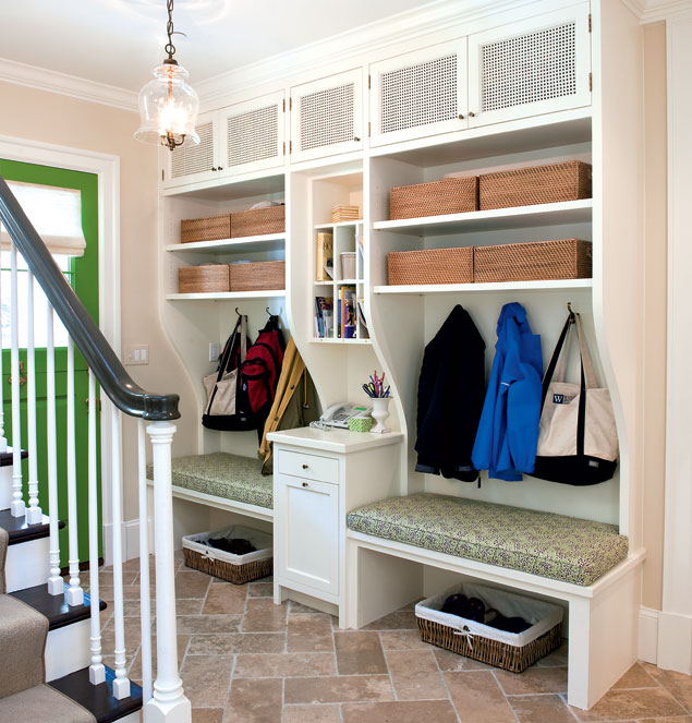 How to Keep a Tidy Mudroom