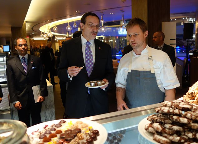 Mayor Gray Stops By the Reopening Party of Chevy Chase Pavilion (Photos)