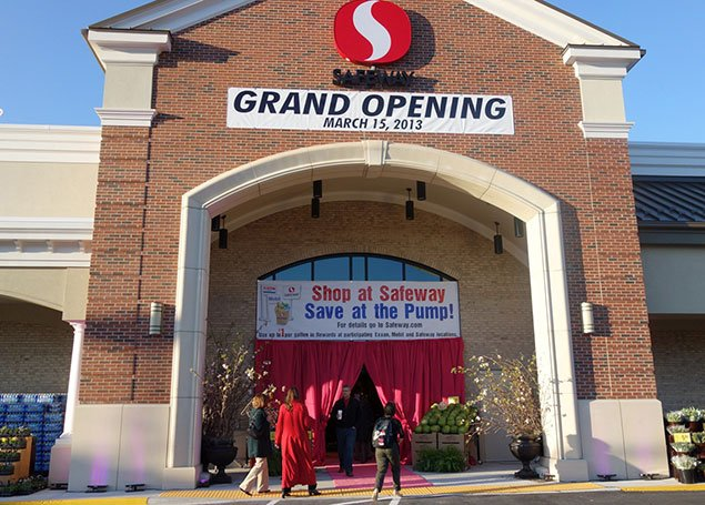 We Went to the Reopening of the Belle Haven Safeway, Because, Why Not?