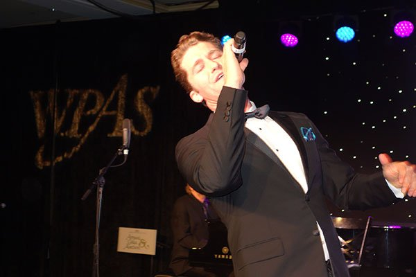 Matthew Morrison Comes to Washington and Puts on a Show (Photos)