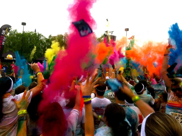 The Color Run Draws 5,000 Runners to DC (Photos)