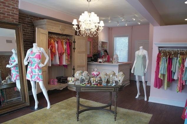 "Fashion Agenda: Britt Ryan's Grand Opening Bash, South Moon Under's ""Washingtonian"" Launch Party"