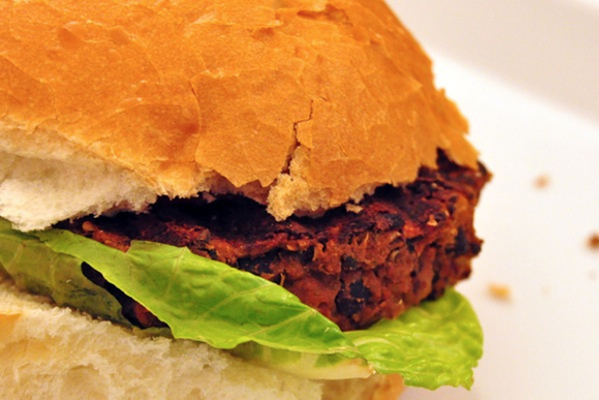 Quinoa and Black Bean Burger Recipe