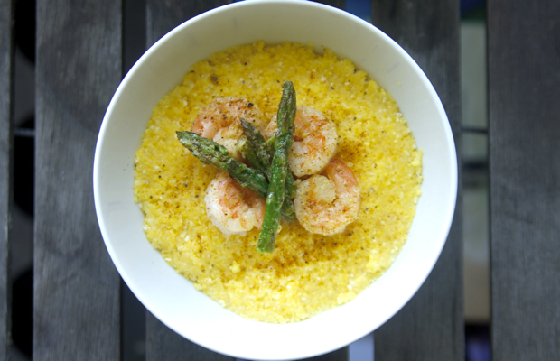 Healthy Recipe: Easy Shrimp and Asparagus With Grits
