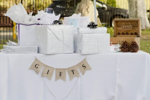 Wedding Survey Reveals 82 Percent of Newlyweds Sell Their Gifts Online