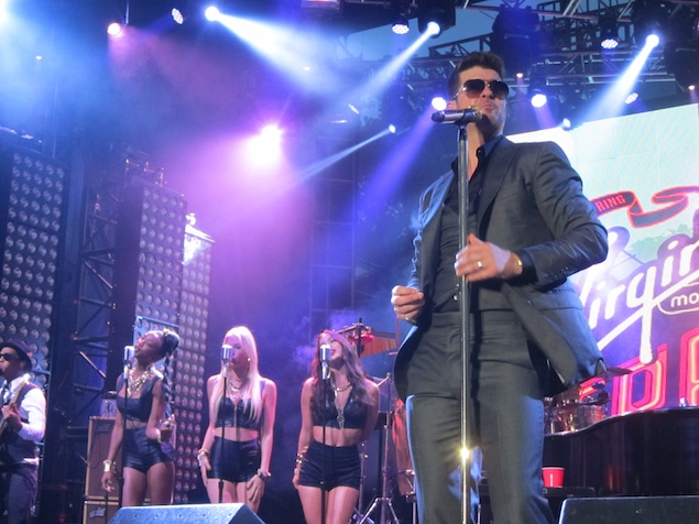 FreeFest 2013: Rain, Robert Palmer Girls, and Robin Thicke