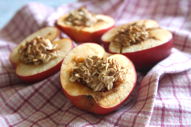 Healthy Recipe: Baked Apples With Honey and Oats