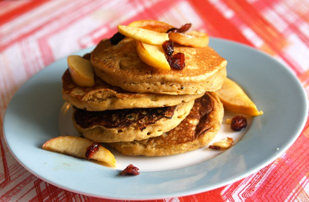 Healthy Recipe: Pumpkin Pancakes With Spiced Apples