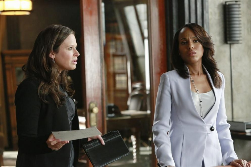Olivia Pope Style: The Perfect Blazer/Necklace Combo