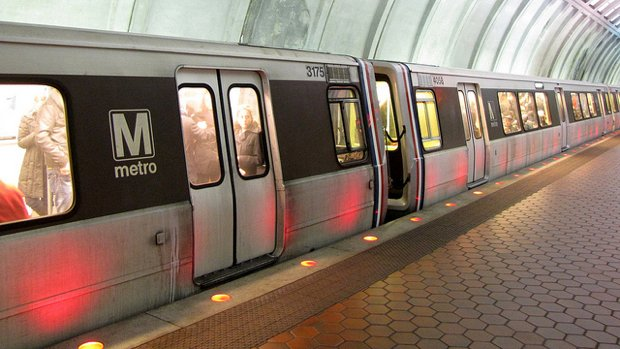 Metro Says It's Sorry for Red Line Problems, but More Delays Are Inevitable