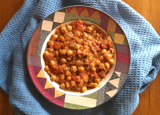 Healthy Recipe: Garlicky Chickpea Soup