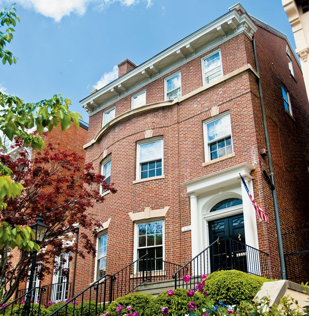 Luxury Home Sales: To the Burbs