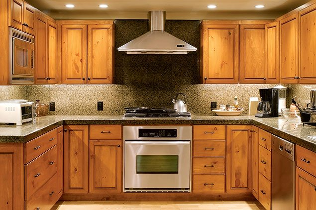 Mid range kitchen remodel gorgeous project on for Mid range kitchen cabinets