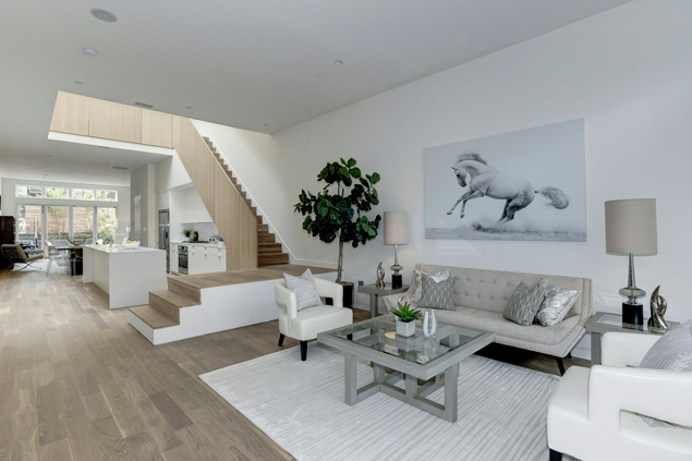 Friday Dream House: A Light-Filled Modern Rowhouse in Capitol Hill
