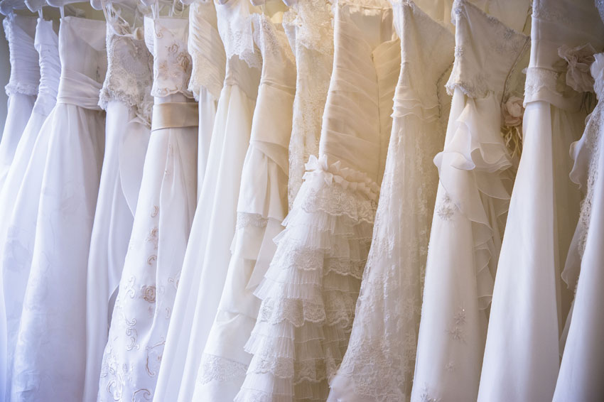 How to Get a Designer Wedding Dress Without Breaking the Bank