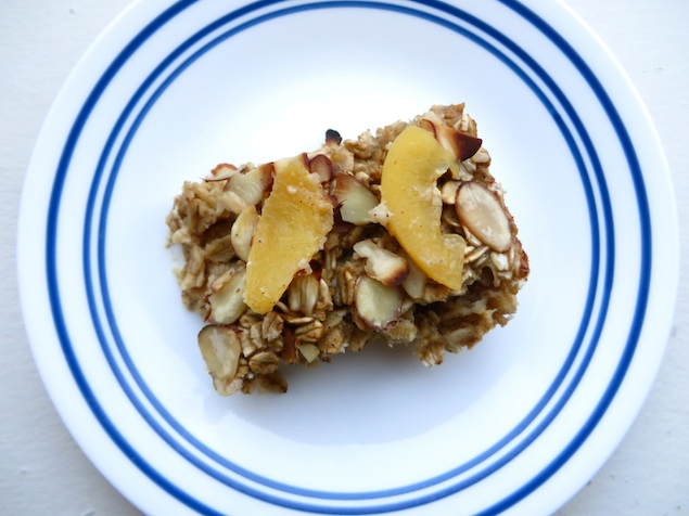 Healthy Recipe: Baked Oatmeal With Peaches and Almonds