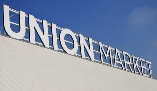 Union Market Offers Free Yoga on Sundays