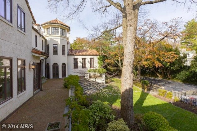 See Inside This 11-Bedroom Mediterranean Villa in Woodlawn